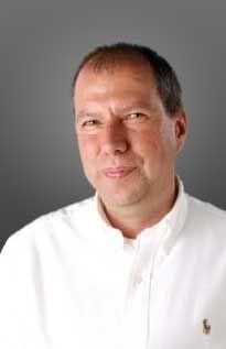 """Dr. med. Andreas Reinert ist Dozent in der Abteilung Anatomie und Entwicklungsbiologie und Medizinischer Leiter des Privatinstituts """"me-di-kom""""."""