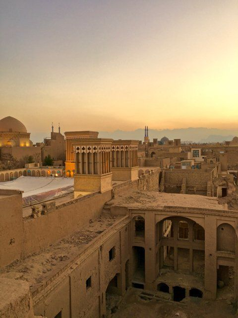 My itinerary for 15 days in Iran Travelling solo in Iran, Getting an Iranian Visa,  Iran Travel Destinations | Iran Honeymoon | Backpack Iran | Backpacking Iran | Iran Vacation | Iran Photography | Middle East #travel #honeymoon #vacation #backpacking #budgettravel #offthebeatenpath #bucketlist #wanderlust #middleeast #Iran #exploreIran #visitIran #TravelIran #IranTravel