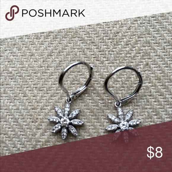 Starburst earrings Barely worn Nadri Jewelry Earrings
