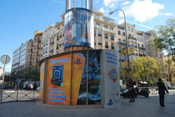 Play Station transforma la estación de Chamberi en una sala de juegos