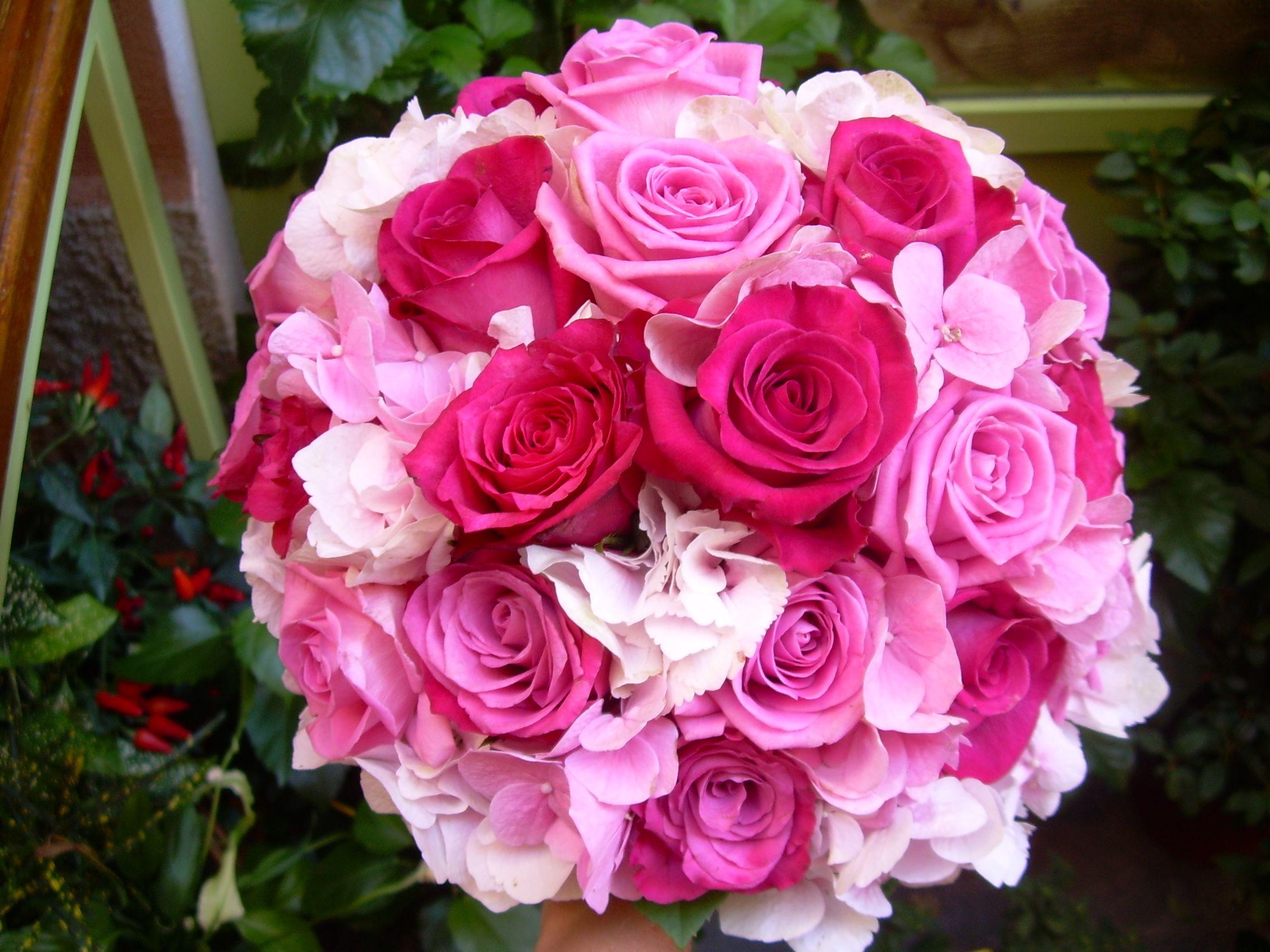 Bouquet Sposa Fucsia.Bouquet Rose Fucsia Cerca Con Google Nel 2020 Matrimonio