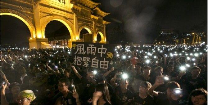 Watching Hong Kong: Taiwan on guard against China