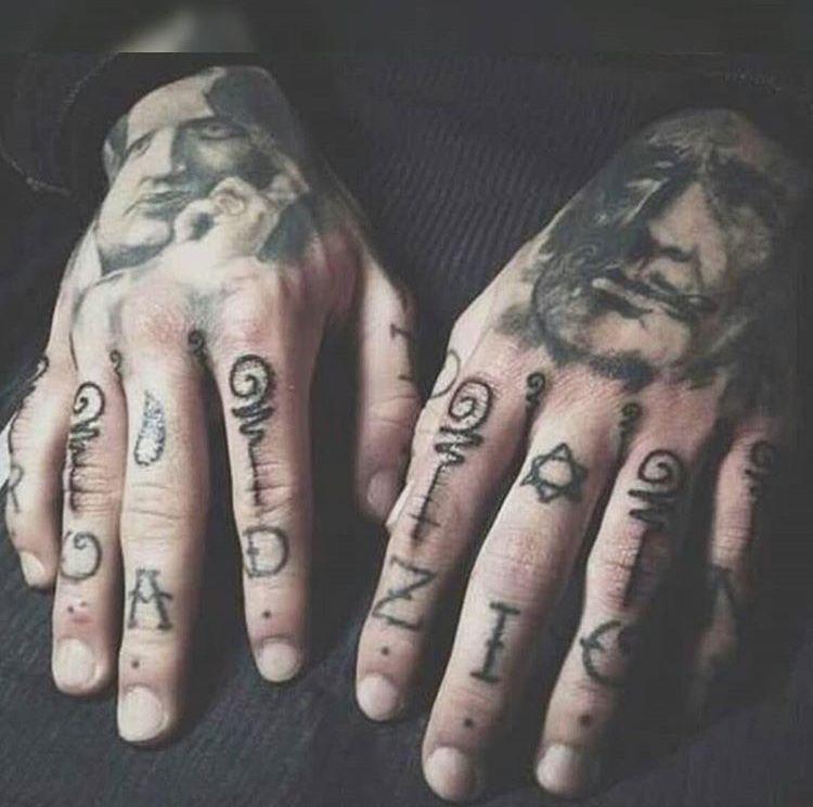Henna Tattoo Für Jungs: Pin Von Mika Taylor Auf Stephen James (mit Bildern