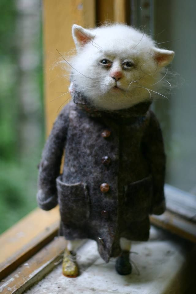 In love with this needle felted cat by Katya Kozunenko