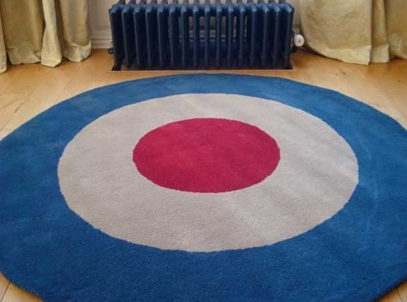 Striking This Target Rug One Reminds Us Of Tank Girl Or British Mods Rugs Circular Rugs Target Rug