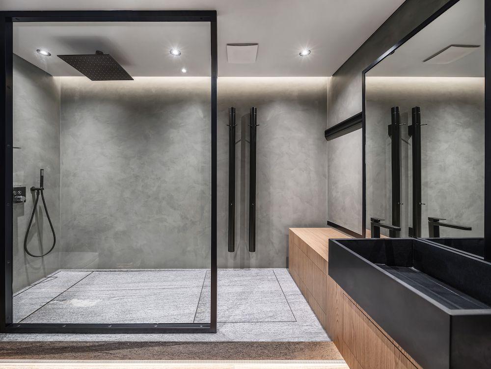Comfortabel Douchen Voor Het Hele Gezin Uw Badkamer Nl In 2020 Chique Badkamers Kleine Badkamer Decoreren Design Badkamer
