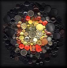 cuántos botones, cuantas historias de vestir y desnudarse, ir y venir a cada momento...