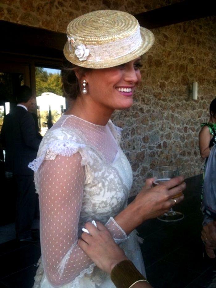 Espectacular novia con sombrero canotier.  Blog  Innovias ... 3d8c4375fbd
