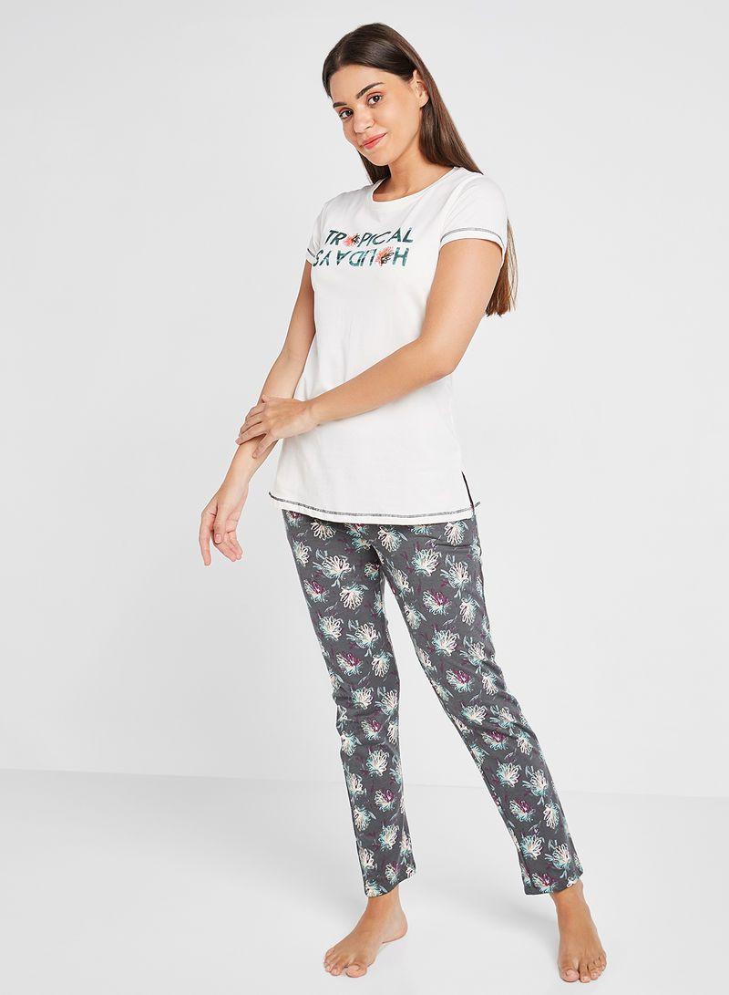 تسوق Sweet Dreams وtext Print T Shirt And Pyjama Pants Set أوف وايت رمادي أونلاين في السعودية In 2021 Pajama Pant Print T Shirt Pajamas