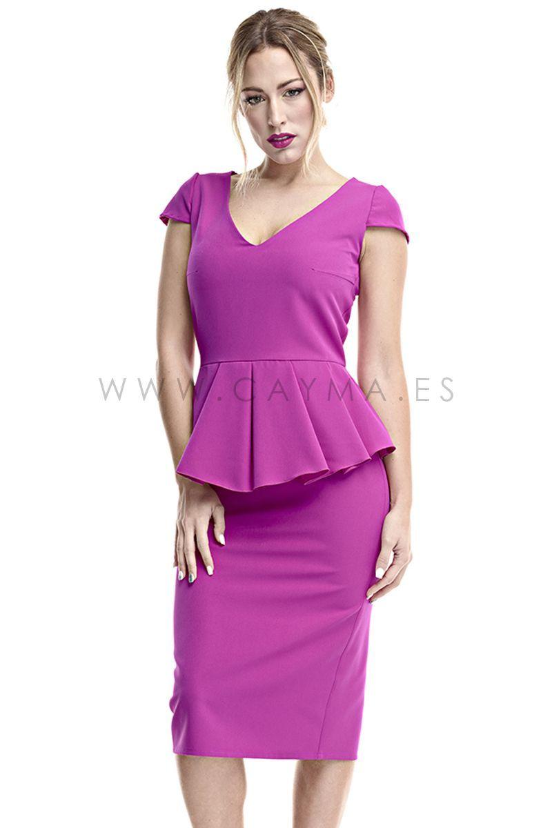 a5b1b90b4f0 Vestido con volantes en la cintura en colores lisos, disponible en azul,  buganvilla, celeste o rojo.