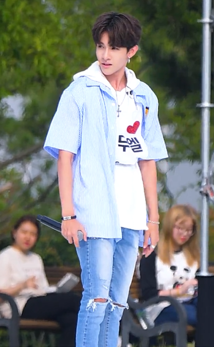 American K Pop Singer Samuel Kim Arredondo Known As Samuel Korean Mum And Korean And Hispanic Dad Singer Samuel Kim