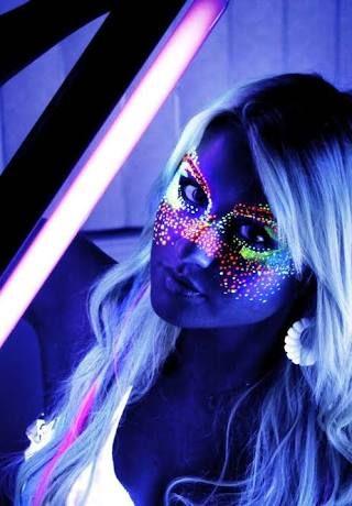 Resultado de imagem para maquillaje neon fluorescente cara