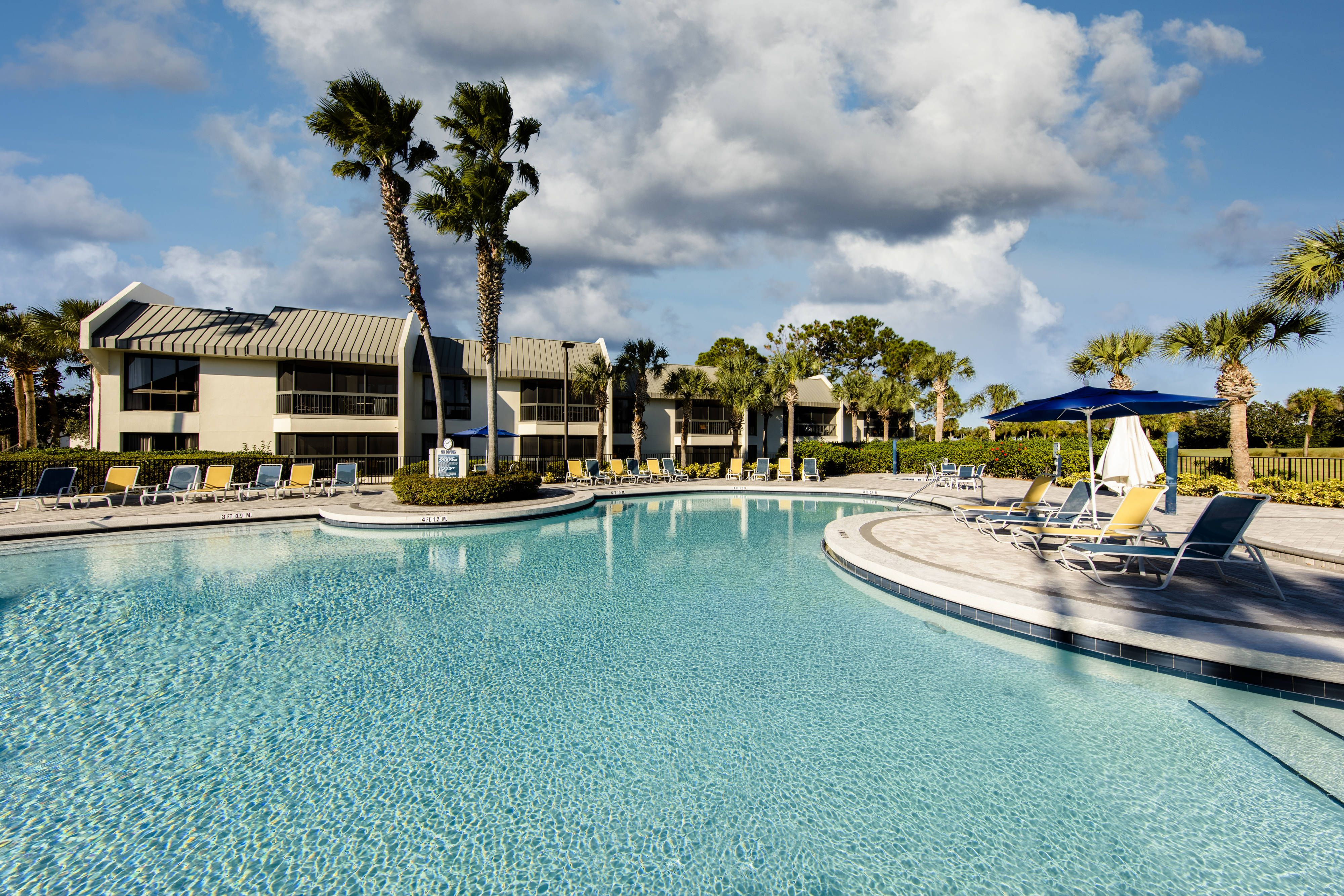 Marriott S Sabal Palms Outdoor Pool Suite Enjoy Relax Marriott Vacation Club Disney World Hotels Vacation Resorts