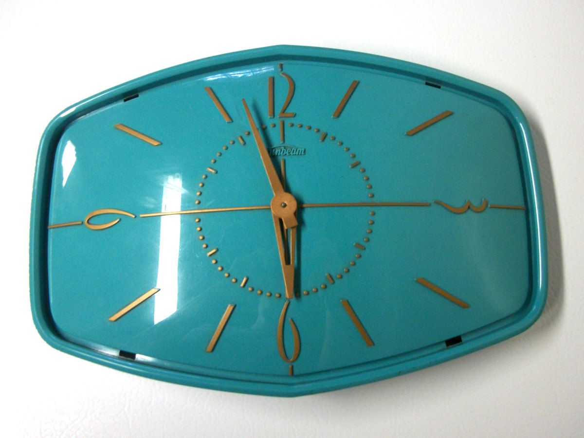 Vintage Sunbeam Turquoise Wall Clock | Pinterest | Turquoise walls ...