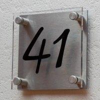 plaque de maison plexiglas et aluminium