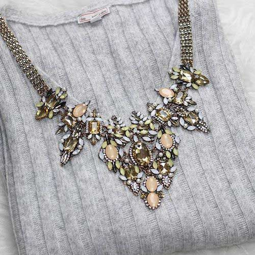 statement-necklace-with-grey-sweater- Statement necklaces with cozy sweaters http://www.justtrendygirls.com/statement-necklaces-with-cozy-sweaters/
