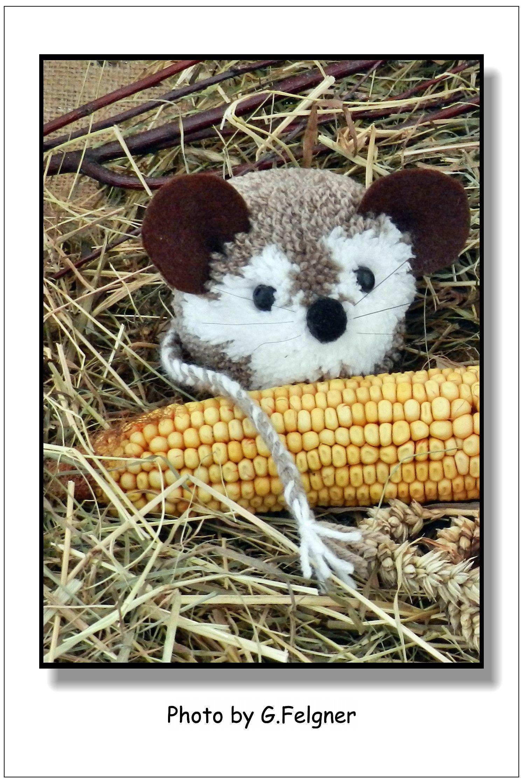 Die kleine Pompon-Maus | Bommeltiere | Pinterest | Pompoms ...