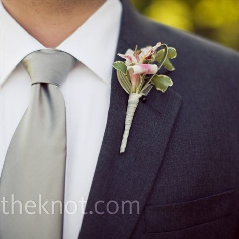 neutral tie color instead of matching the \