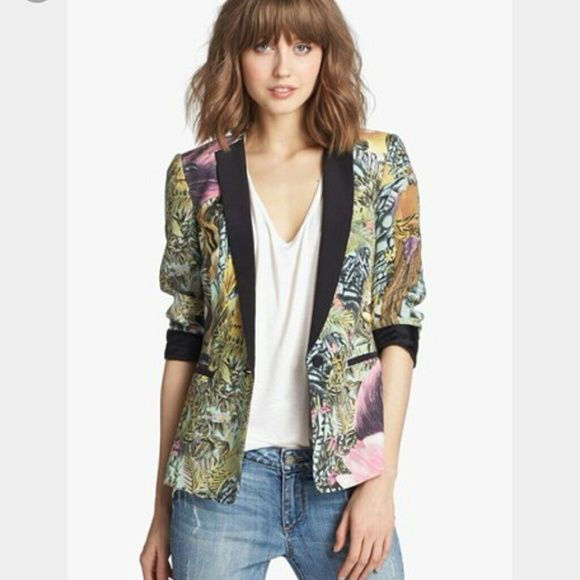 1 day sale!! Scotch and soda Amazon Blazer Practically new // worn once // perfect condition. Looks great over a dress,or,with jeans and a tank x Maison Scotch Jackets & Coats Blazers