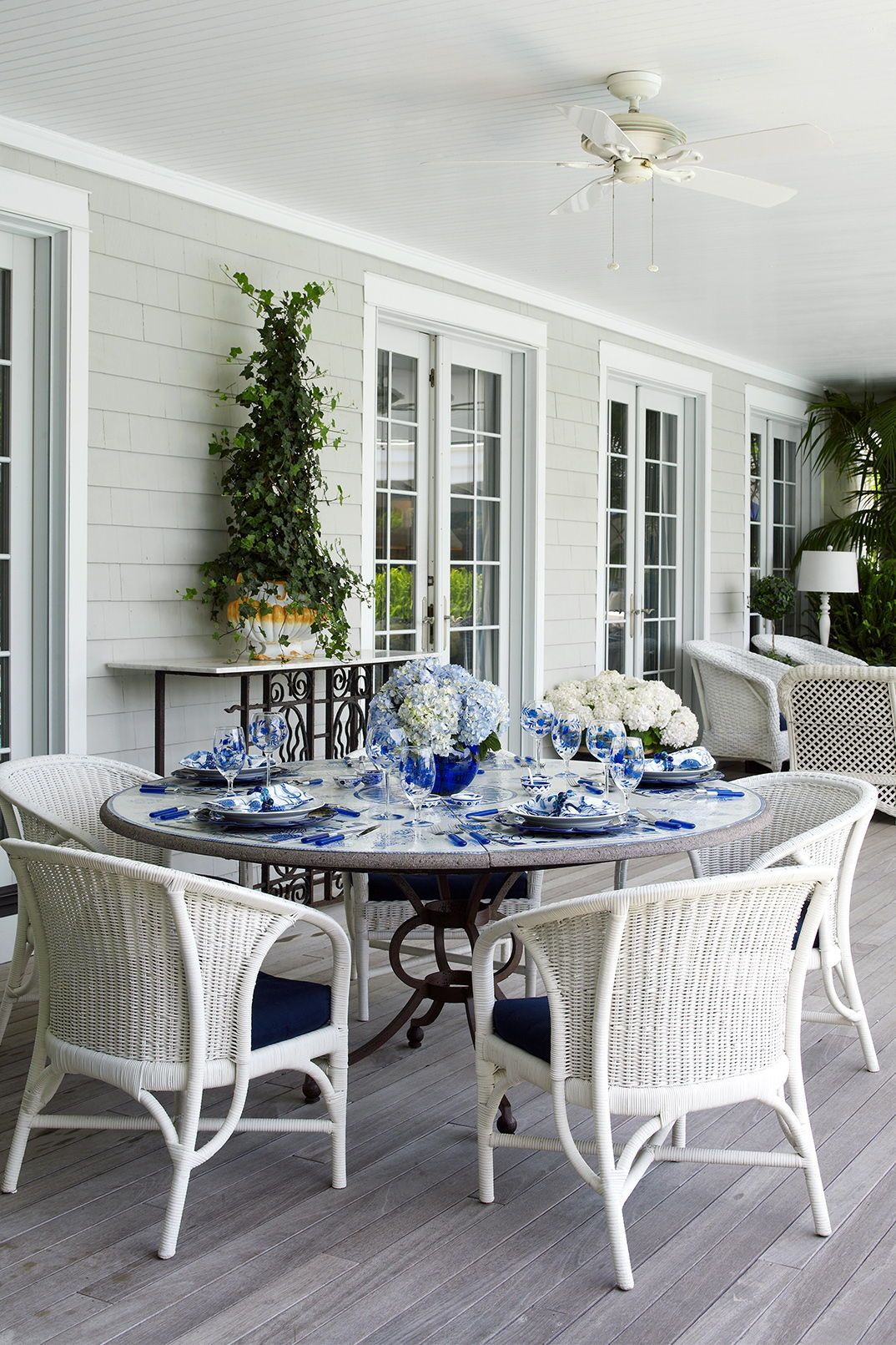 Must See Front Porch Ideas Featuring Flea Market Finds In 2020