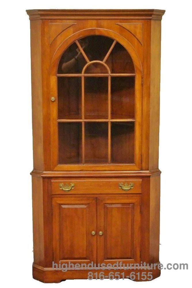 Willett wildwood solid cherry corner china cabinet hutch for Mission style corner hutch