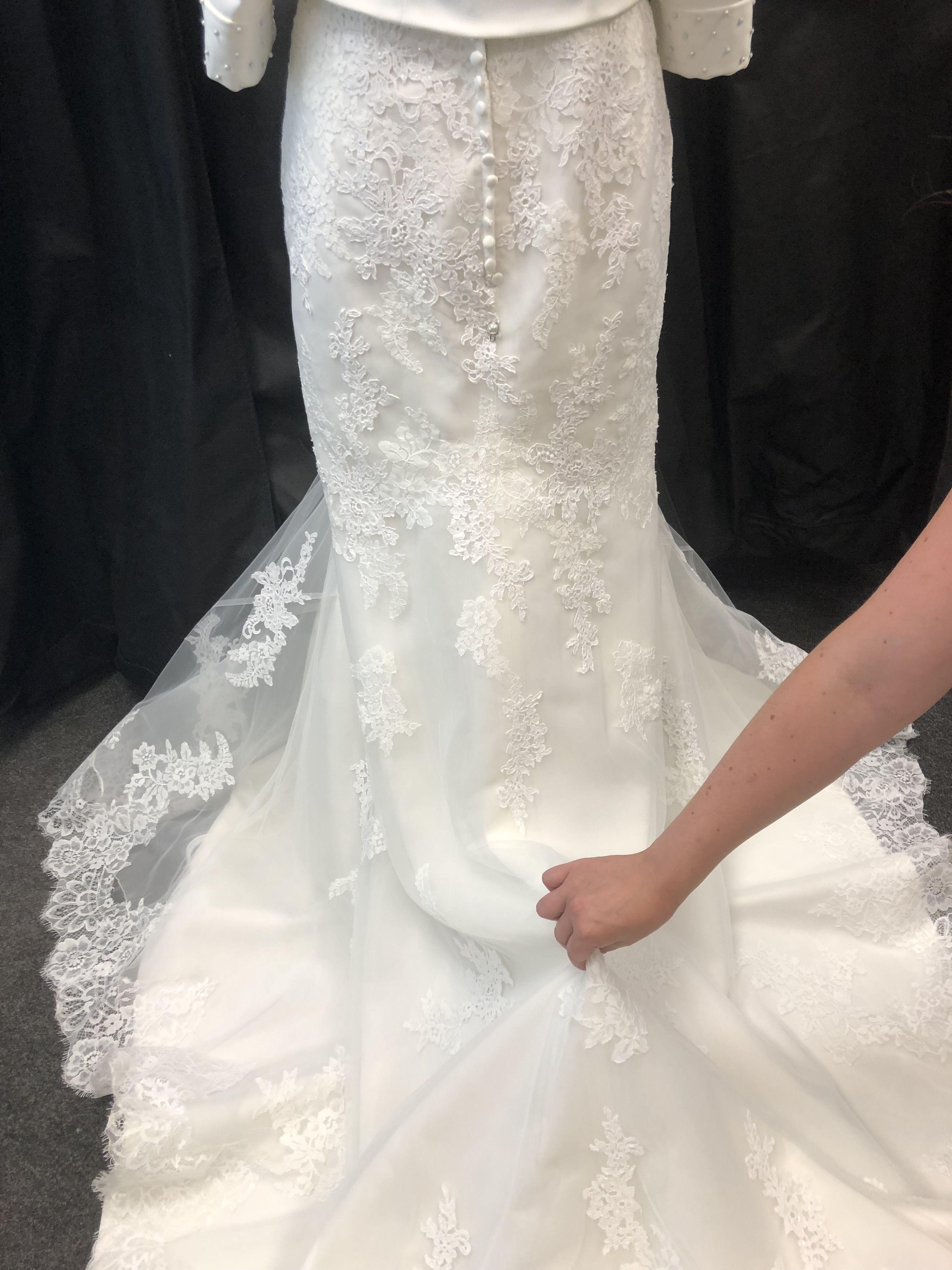 Wedding dress train hook up