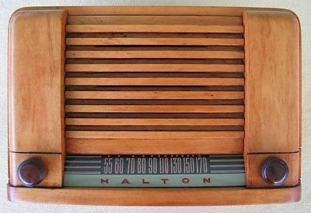 Vintage Halton Model 92 1 Am Tube Radio Vintage Radio Radio Vintage