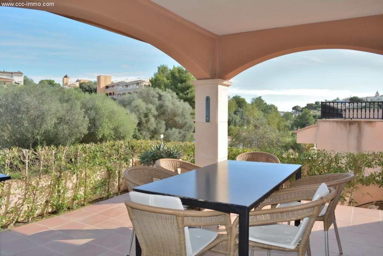 EG-Wohnung mit Terrasse, Gemeinschaftspool und privatem ...