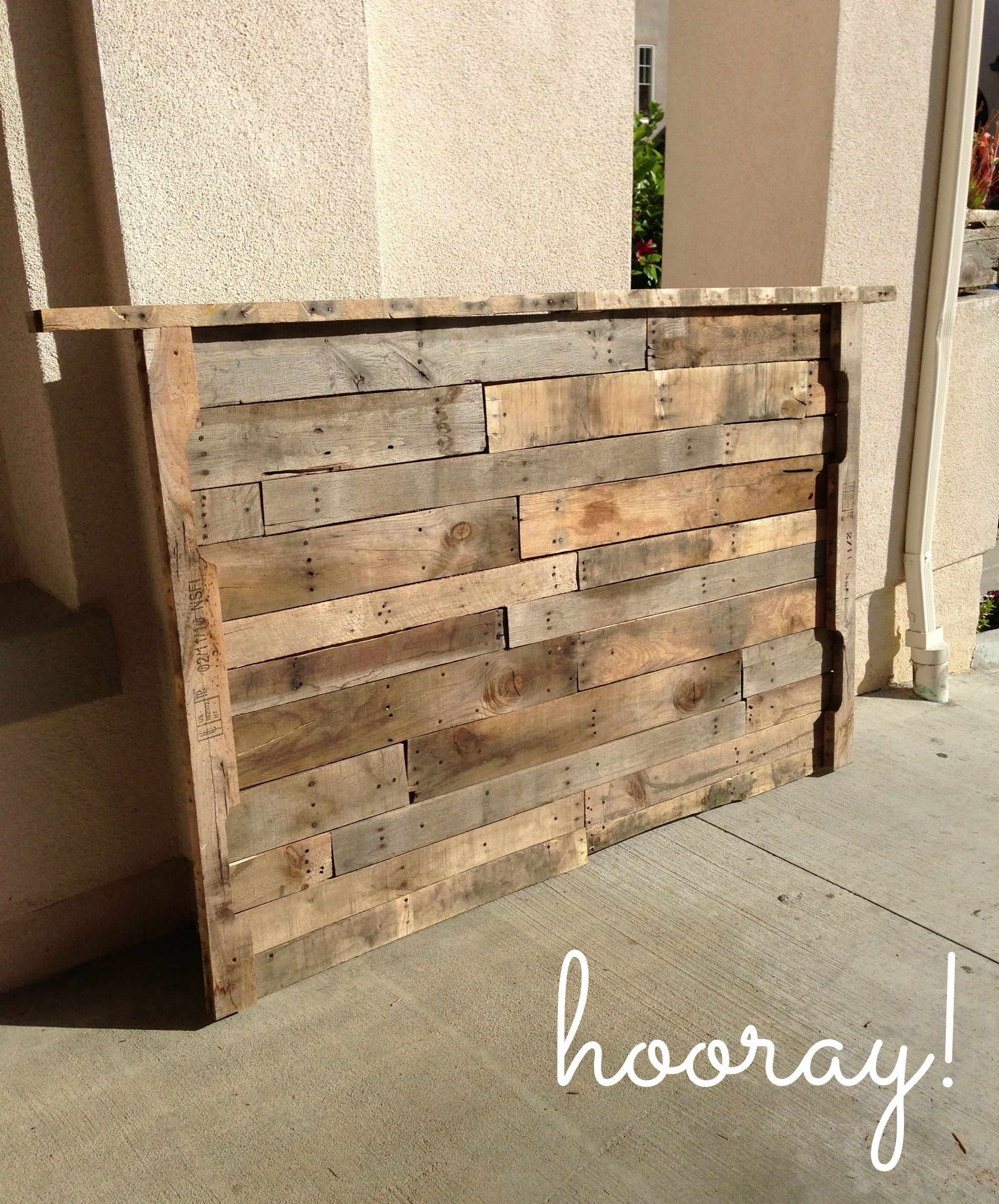 Pallet furniture designs handmade wood furniture ideas handmade wood - When Remodeling Our Master Bedroom Earlier This Year We Knew We Wanted To Break Up Driftwood Headboardwood Pallet