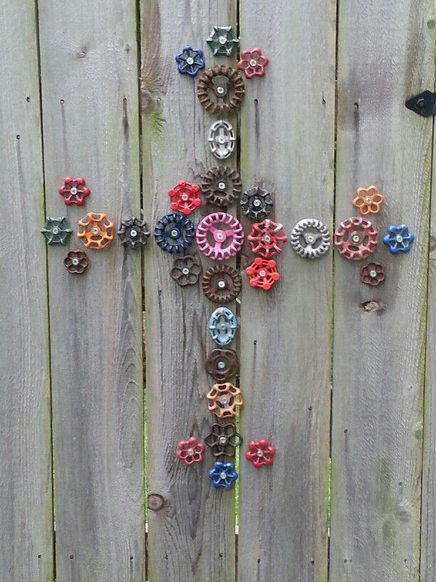 Cross...faucet handels. Garden Art #creative #original #trend #finsahome #beautiful #decoration #cool #decor #garden #idea #art