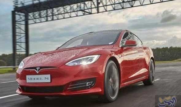 تسلا تعرض مميزات لسيارتها موديل إس الجديدة لعام 2017 Tesla Model S Best Electric Car Tesla