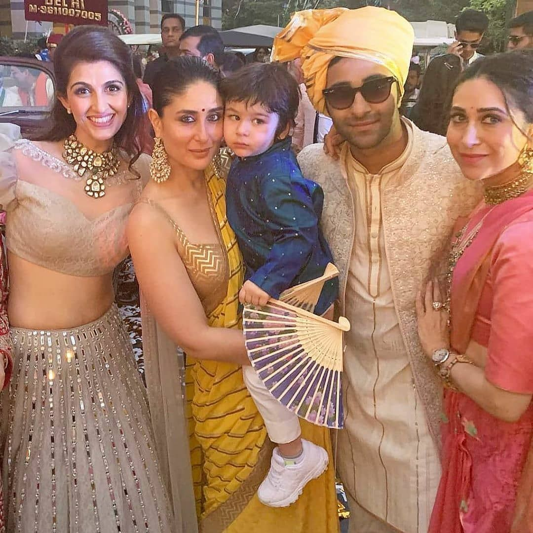 Kareena Kapoor Khan And Karishma Kapoor Became The Perfect Baratis At Their Cousin Armaan Jain S Wedding Hungryboo Kareena Kapoor Kareena Kapoor Khan Bollywood Wedding