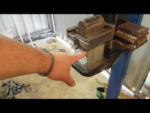 Homemade press from log splitter. By Sam Towns