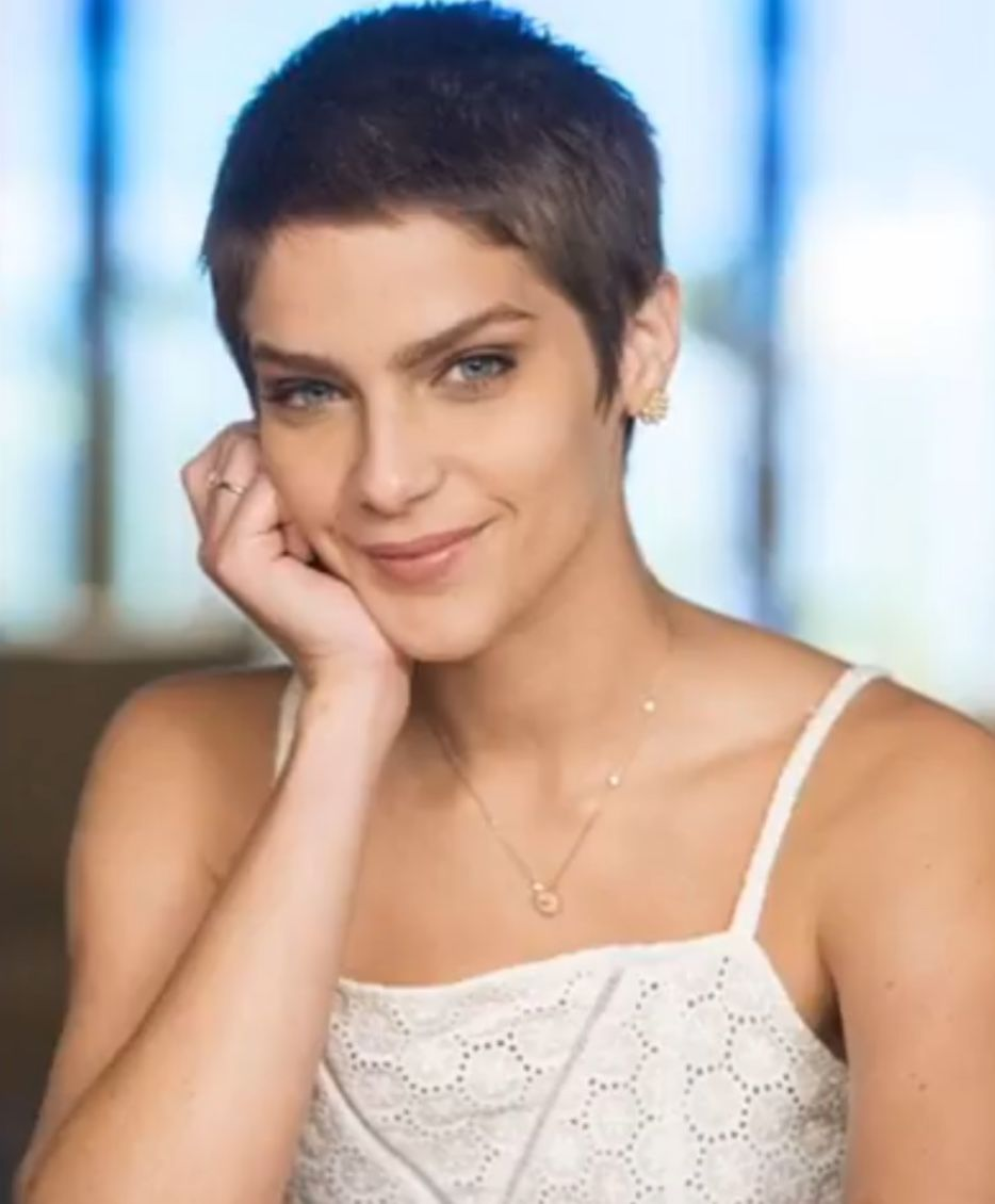 Pin by majic noone on sheshorn pinterest pixies short hair and