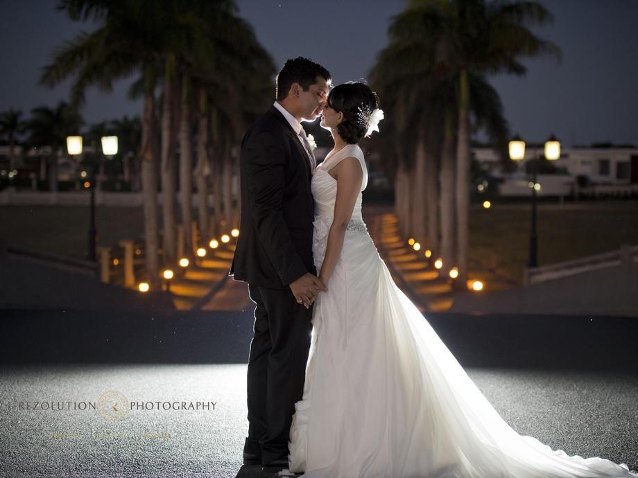 wedding receptions gold coast qld%0A Great  weddingphoto in the driveway at Links Hope Island Golf Club