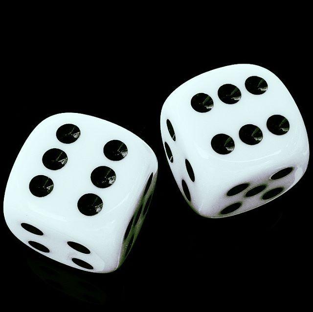 Топ лучших онлайн-казино Ввиду стремительного развития сферы онлайн казино и появления новых азартных платформ, игроки зачастую теряются и не знают, где лучше пройти регистрацию, внести свои деньги на счет без риска.