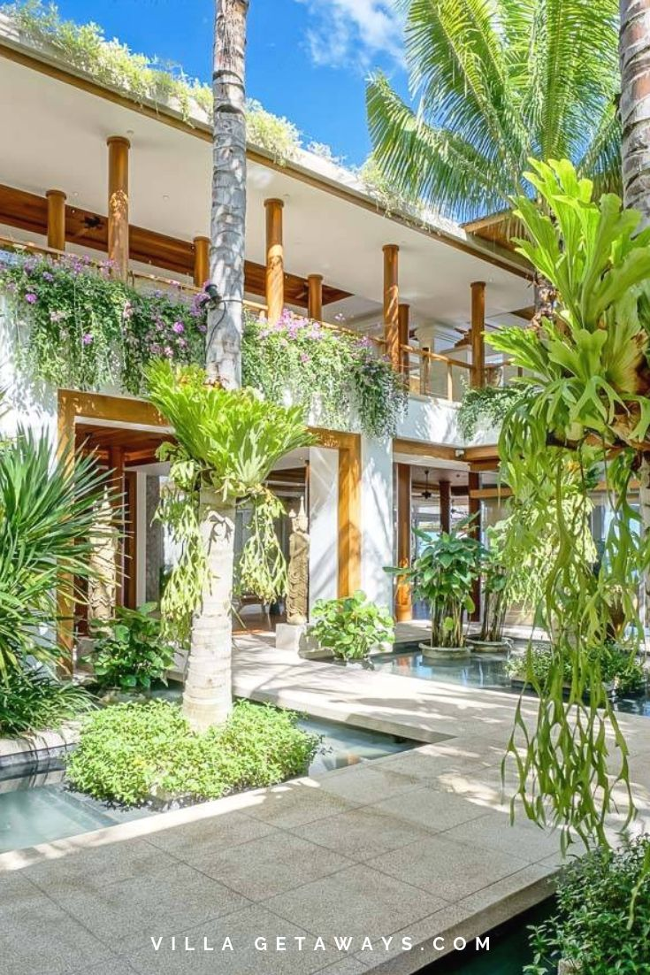 This stunning entrance to 7 star Villa Sawan makes for a