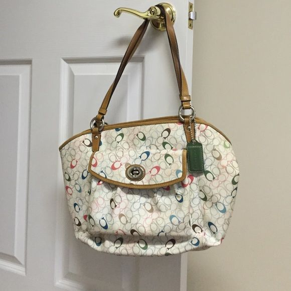 White Coach Purse Poshmark Faves Great Sellers Pinterest