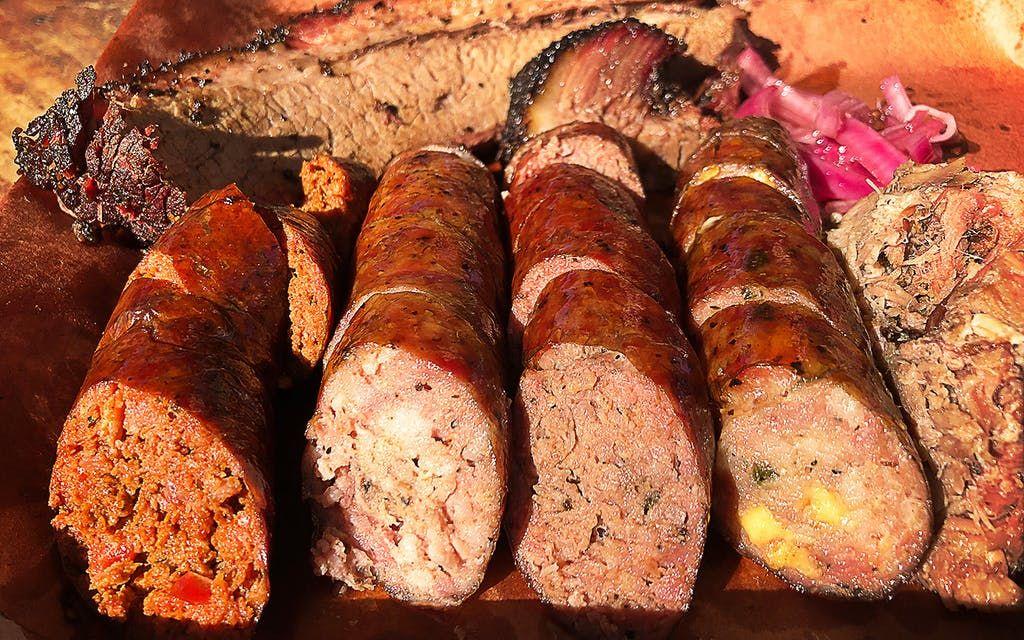 Barbecue Strategy: Brett's Backyard Bar-B-Que Puts ...