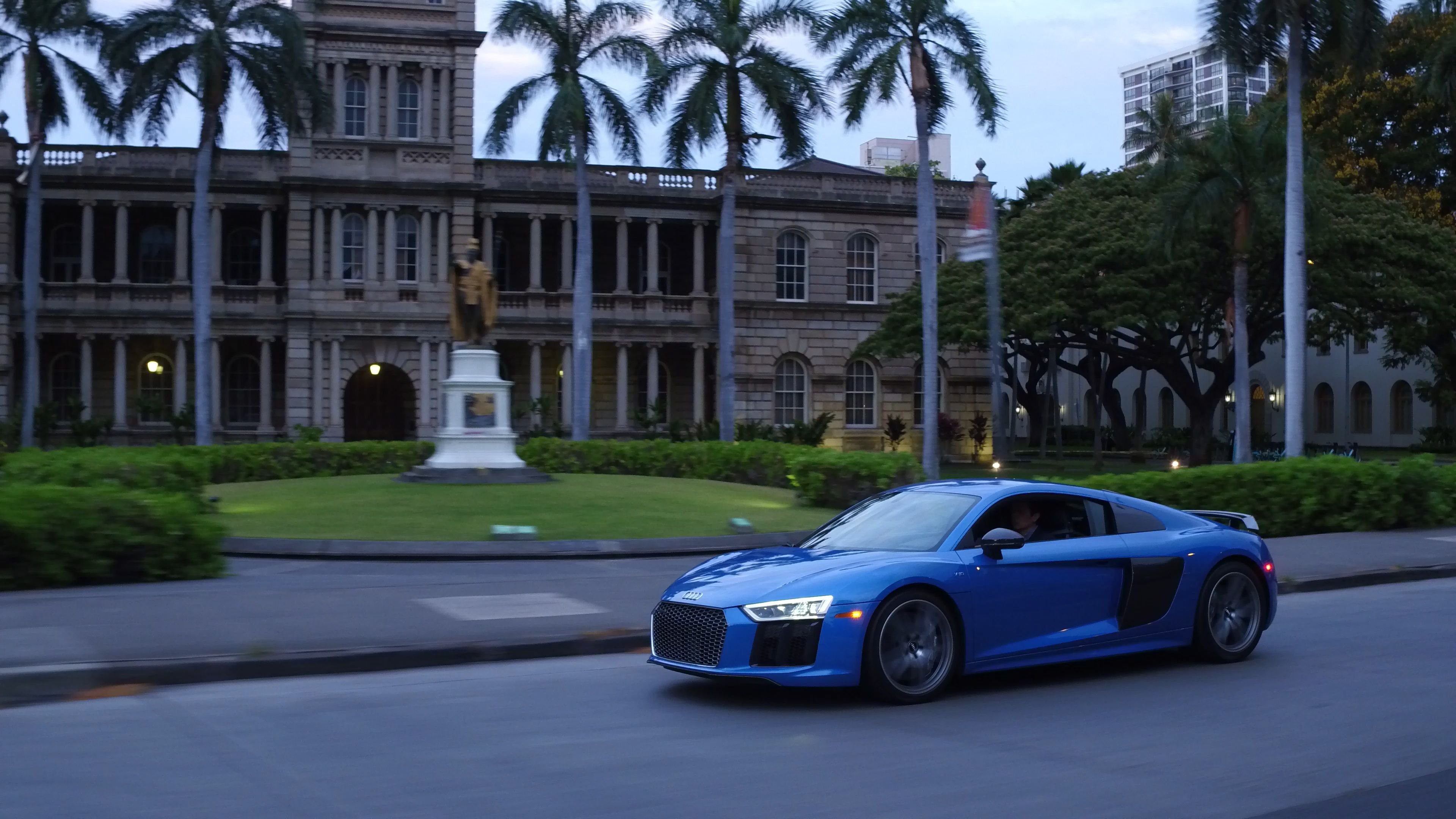 The Breathtaking Audi R8 Supercar In Front Of The Historic Iolani Palace In Hawaii Audi Dealership Used Audi Audi