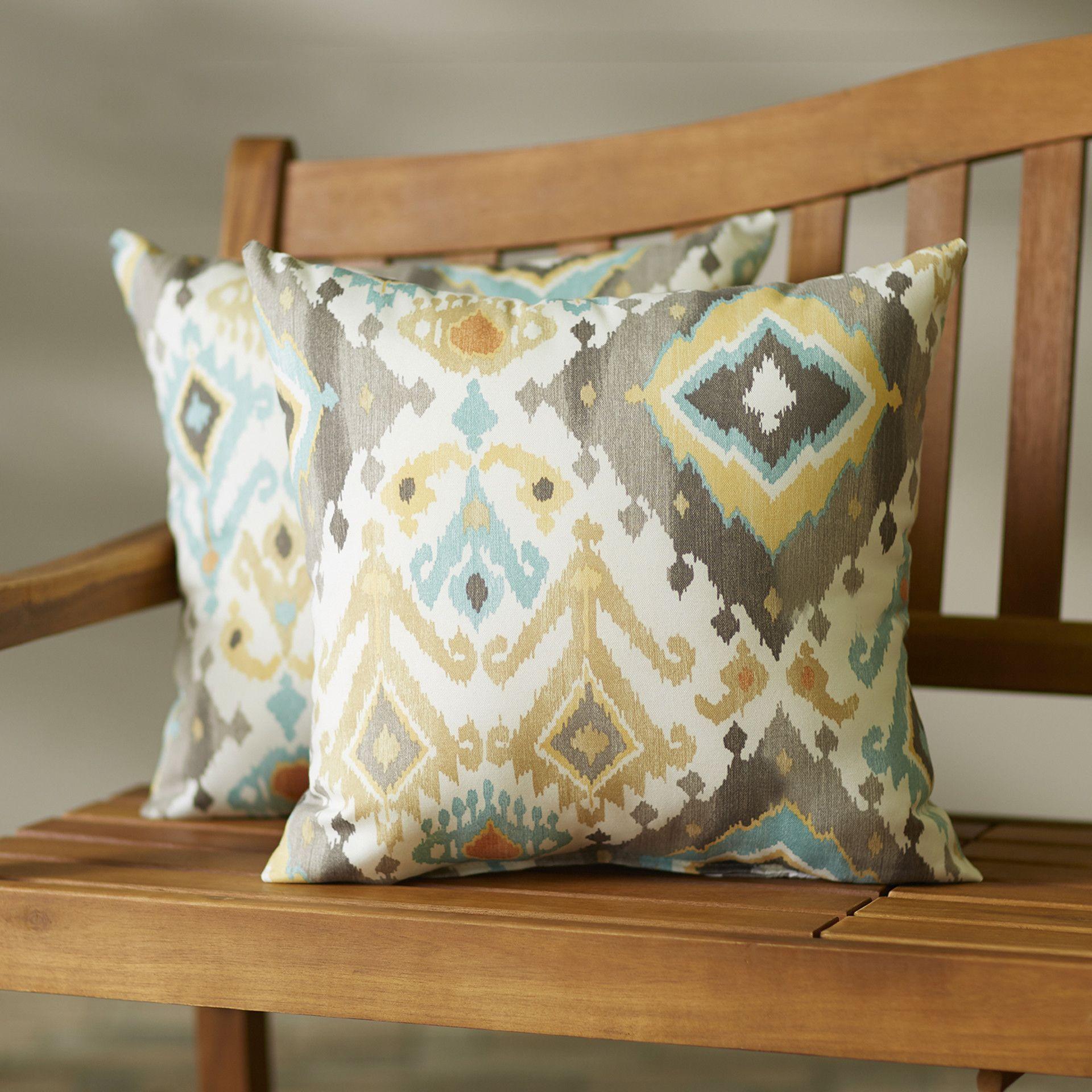 Oxford Indoor/Outdoor Throw Pillow