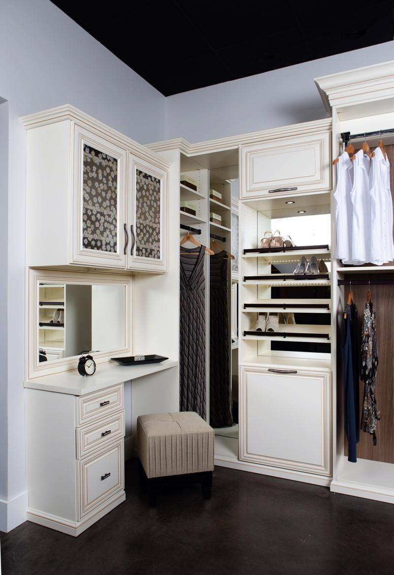 From mirrors to shoe railings, this closet is ready for