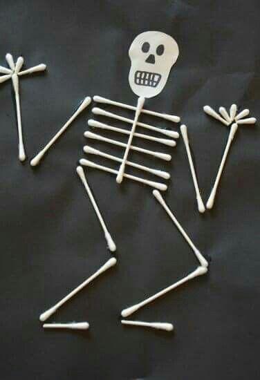scheletrino con cotton fioc halloween pinterest basteln mit kindern fasching und halloween. Black Bedroom Furniture Sets. Home Design Ideas