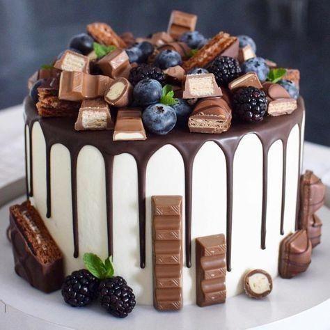 gateau cake design kinder bueno gateau kinder bueno - #bueno #Gâteau #kinder  Desserts, Delicious