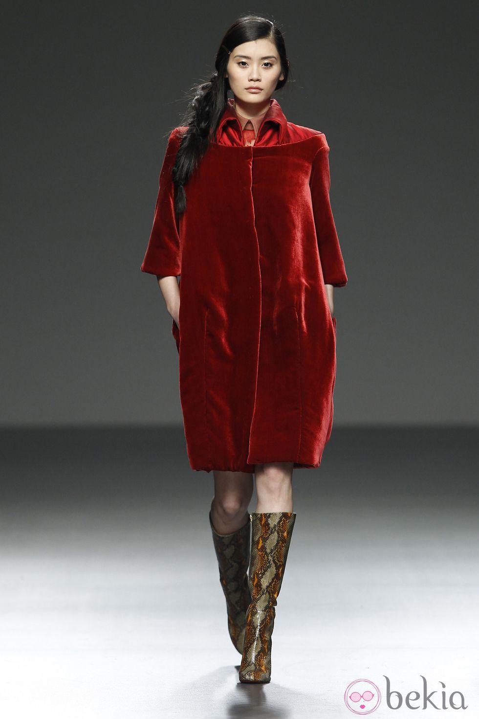 Abrigo terciopelo rojo