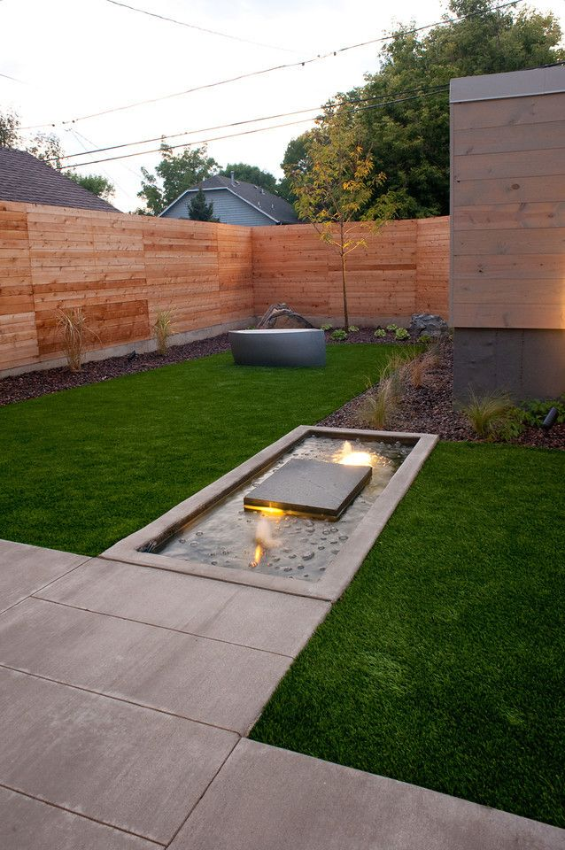 Love The Artificial Turf With The Fire Pit Home Landscaping Synthetic Lawn Modern Outdoor Living