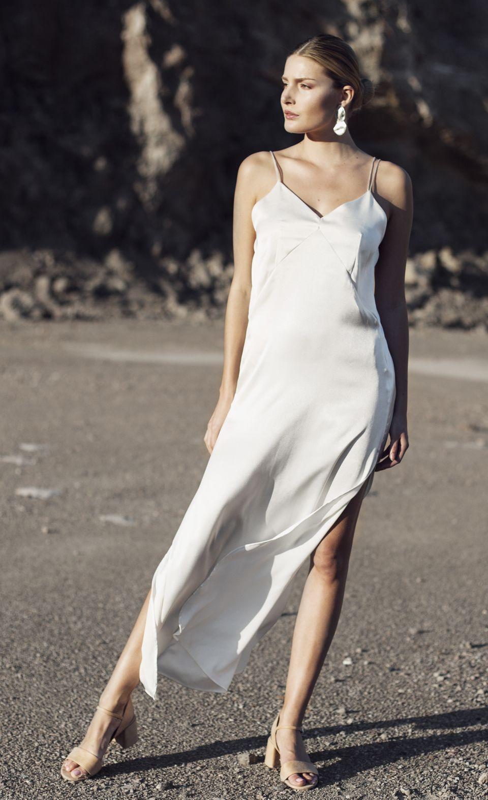 Vestido de novia sleepdress. Modelo Lunance geométrica. Disponible en Womance.es