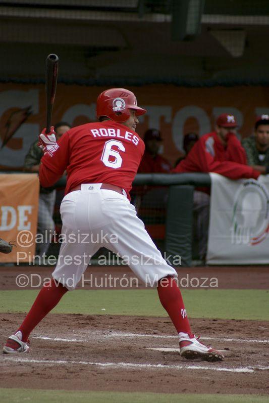 @ORobles13 tiene actualmente conectados 95 hits, 17 dobles y un triple con los @Diablos Rojos del México