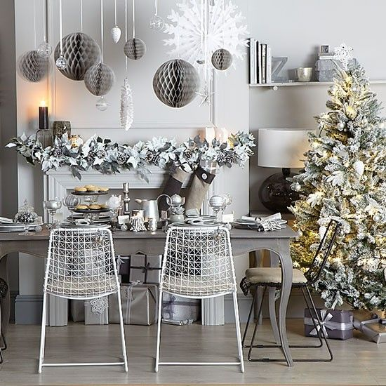 37 Stunning Christmas Dining Room Décor Ideas: Grey And Silver Christmas Dining Room