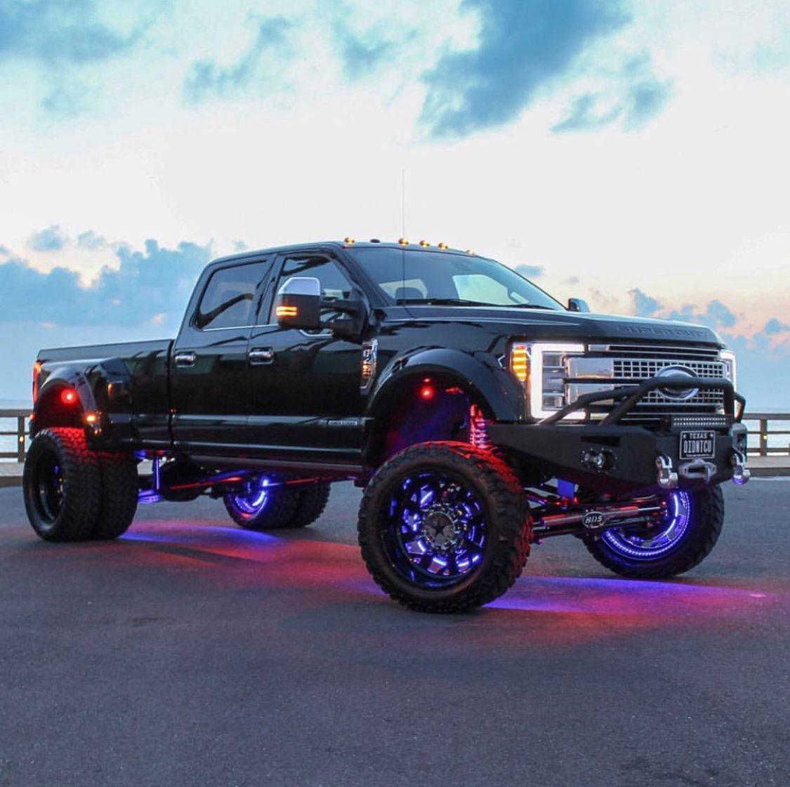 Oh Em Gee Trucks Jacked Up Trucks Lifted Ford Trucks